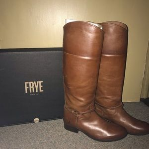 NWOT Authentic Frye Boots